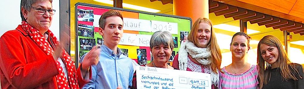 Geschwister-Scholl-Gymnasium Stuttgart Sillenbuch 11.11.2015 Spendenübergabe an Ellen Dietrich Haus der Hoffnung – Hilfe für Nepal