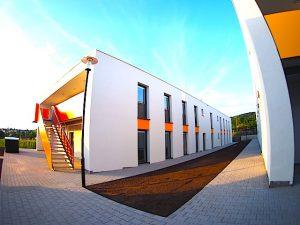 Flüchtlingsunterkunft Systembauten Stuttgart Untertürkheim Württembergstr. 101 A