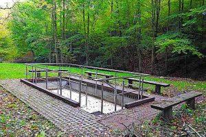 Wassertretbecken beim Tiefenbachweiher Stuttgart Rohracker