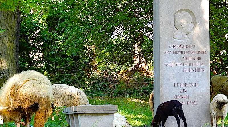 Elly Heuss Knapp Denkmal Stuttgart EichenhainElly Heuss Knapp Denkmal Stuttgart Eichenhain